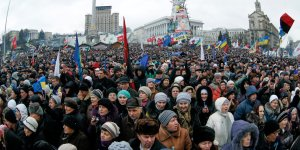 FILE - Pro-European supporters attend a rally on the Independence Square in Kiev, Ukraine, 12 January 2014. EPA/SERGEY DOLZHENKO (zu dpa vom 20.11.2014) +++(c) dpa - Bildfunk+++