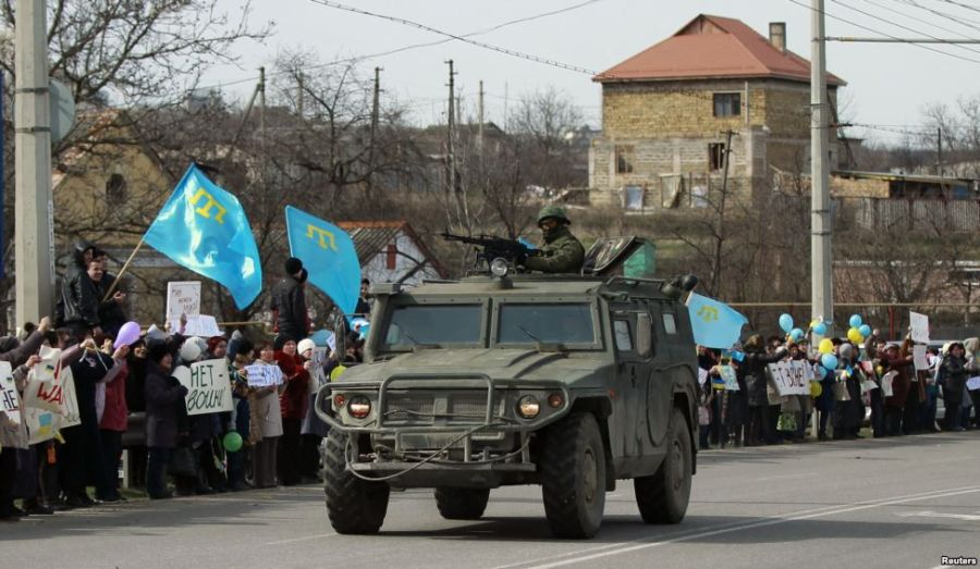 9594-Crimean-Tatar-demonstration-974x567